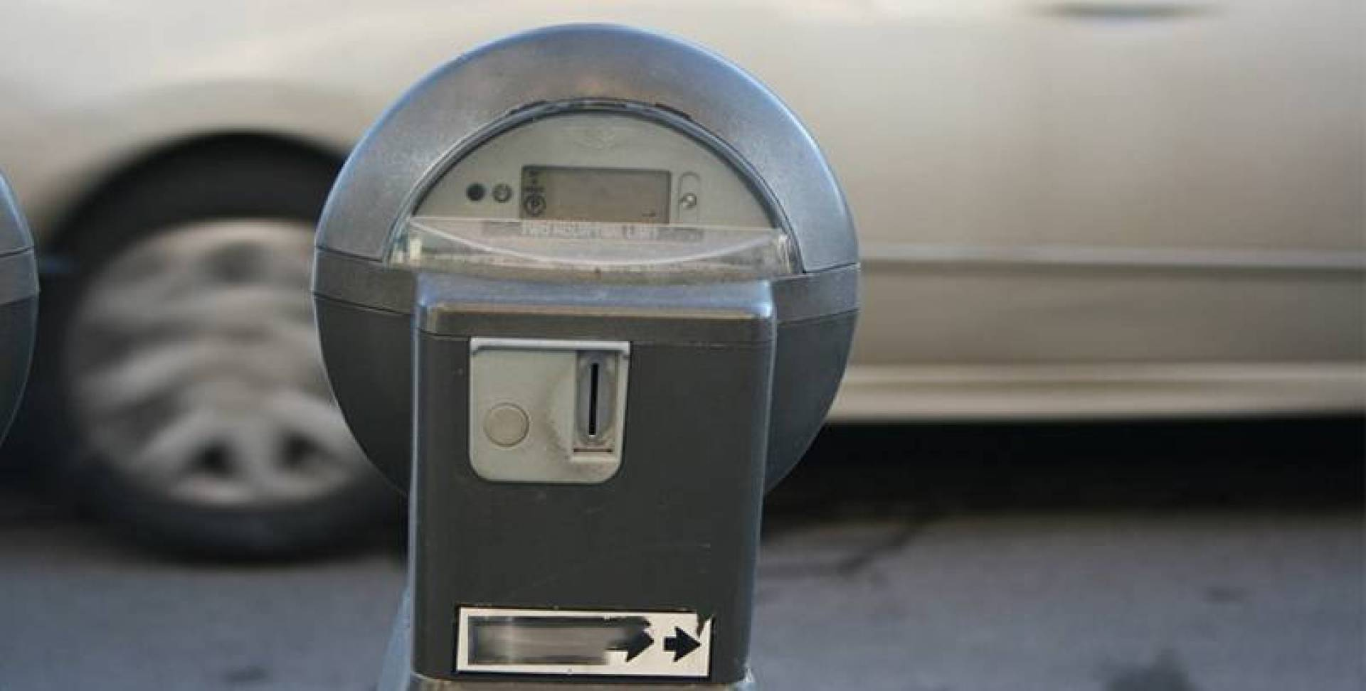 Municipality plans to reinstate side parking meters