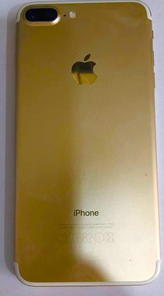IPHONE Gold 7 plus 128 GB for offer sale