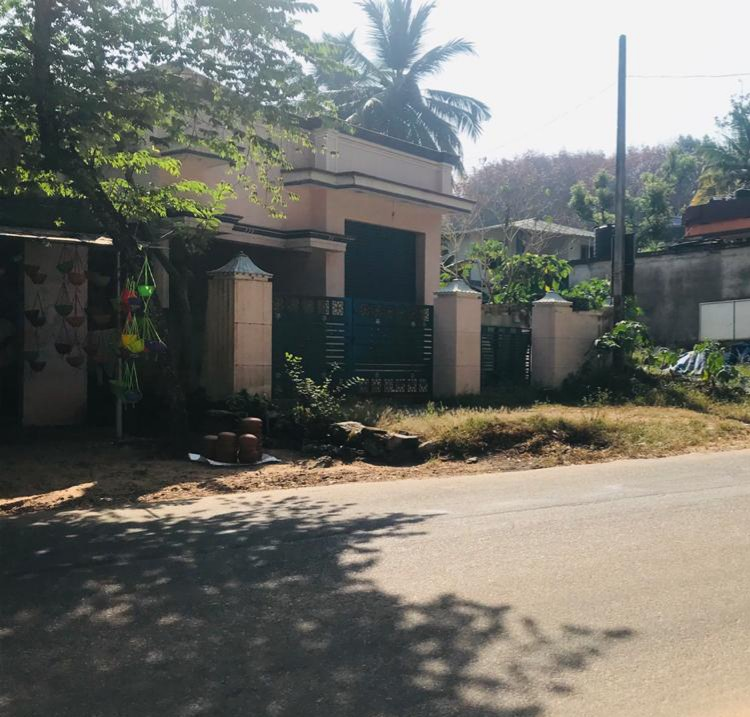 5cent Land, House with a Shop on Main Road side is Available for Sale.