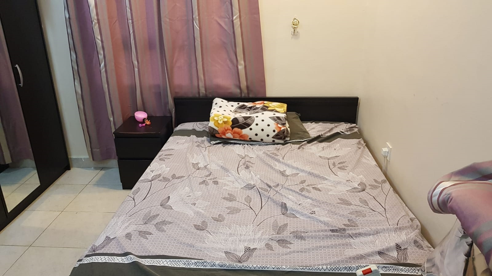 Sharing accommodation available for working ladies with Christian family in Salmiya block 10