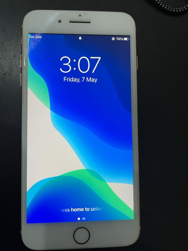 Iphone 8+  64 GB