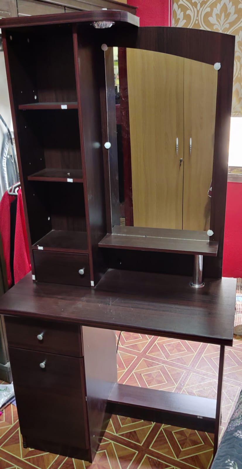 Dressing Table For Sale - Salmiya Block 10 behind Al Rashid hospital