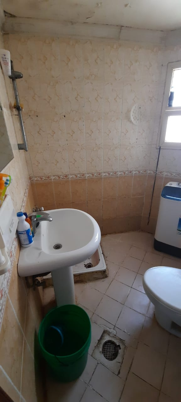 FULLROOM WITH ATTACHED W/C READY TO OCCUPY FOR INDIAN FAMILY/DECENT BACHELOR IN SALMIYA BLK-9