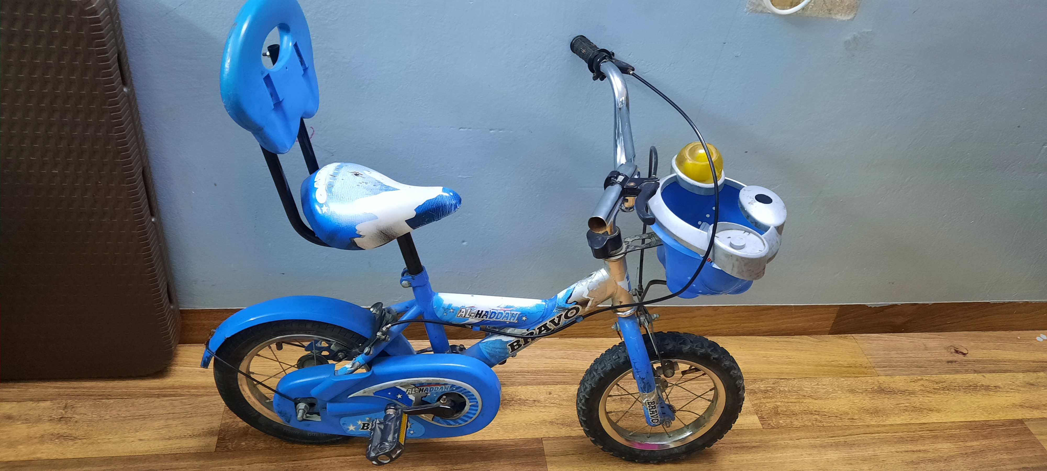 small cycle for sale at mangaf suitable for kids between 2-7 years