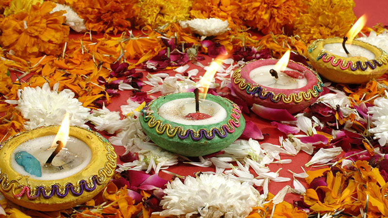 Significance of Diyas, Rangoli, Lanterns and Sweets during Diwali