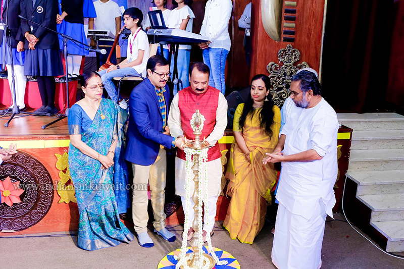 Long Wait for Bhavans SIS 3rd Annual Day Ends in Admiration