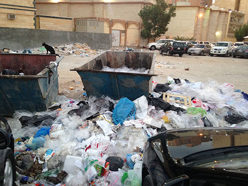 Municipality workers found tampering or sorting out garbage will be fined KD 100