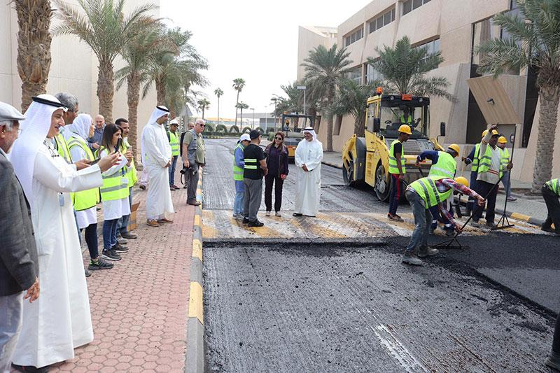 Tires used to make 'rubber asphalt' in Kuwait