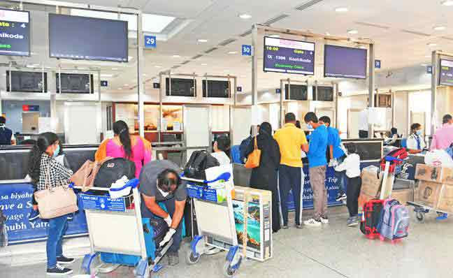 Around 100,000 people left Kuwait in June: 30,000 Indians