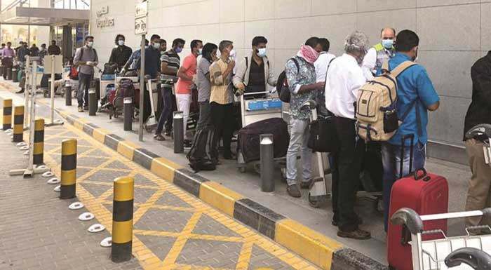 About 300 work permits of expats are cancelled daily