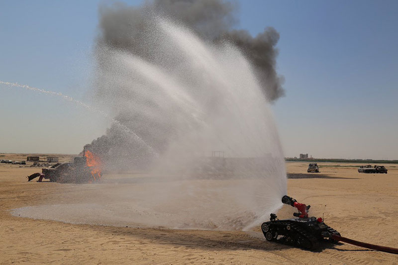 Kuwait Fire Service Directorate  introduced   modern robot to fight fires