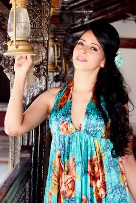 IndiansinKuwait com - Rozlyn Khan to make TV debut with